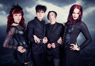http://postwave.gr//images/stories/CDs2/clan_of_xymox11_n.jpg